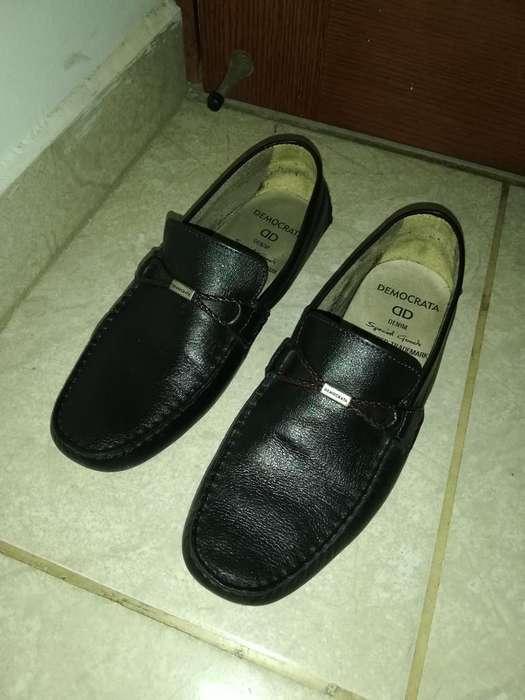 Vendo Hermosos Zapatos de Cuero de Hombr
