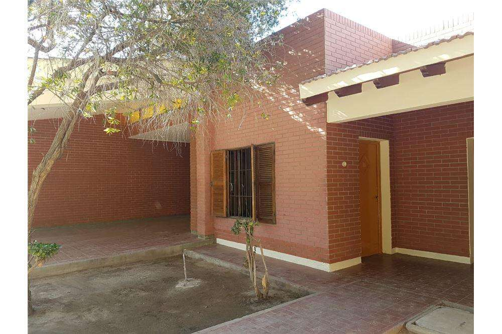 Alquiler Casa de 4 Dormitorios zona Hiper Libertad