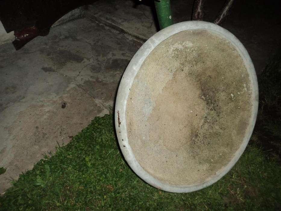 antigua maceta de cemento redonda 65 cm