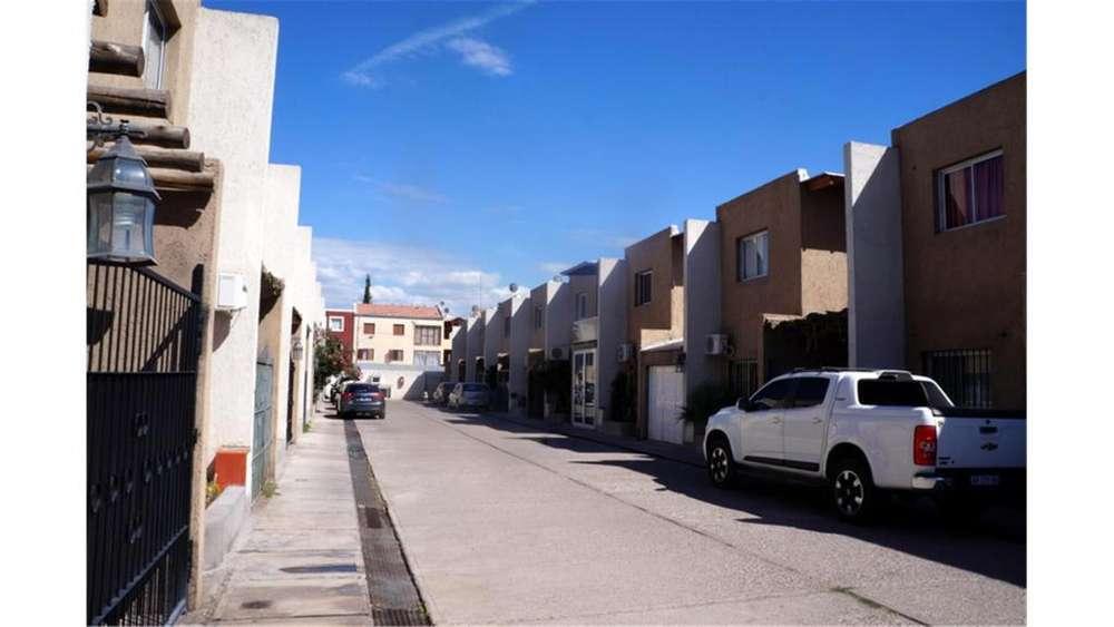 Estrada S/N - UD 100.000 - Departamento en Venta