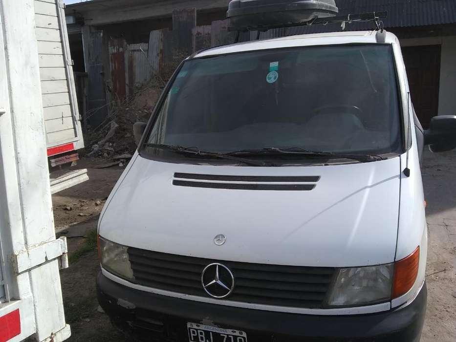 Vendo Minivans Mercedez Vito Modelo 2001