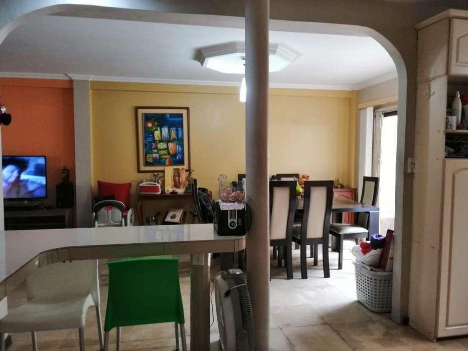 Venta de casa en Urbanizacion San Felipe cerca del Colegio Americano