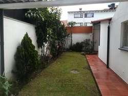 Casa En Arriendo En Bogota Batán Cod. ABCYF20686