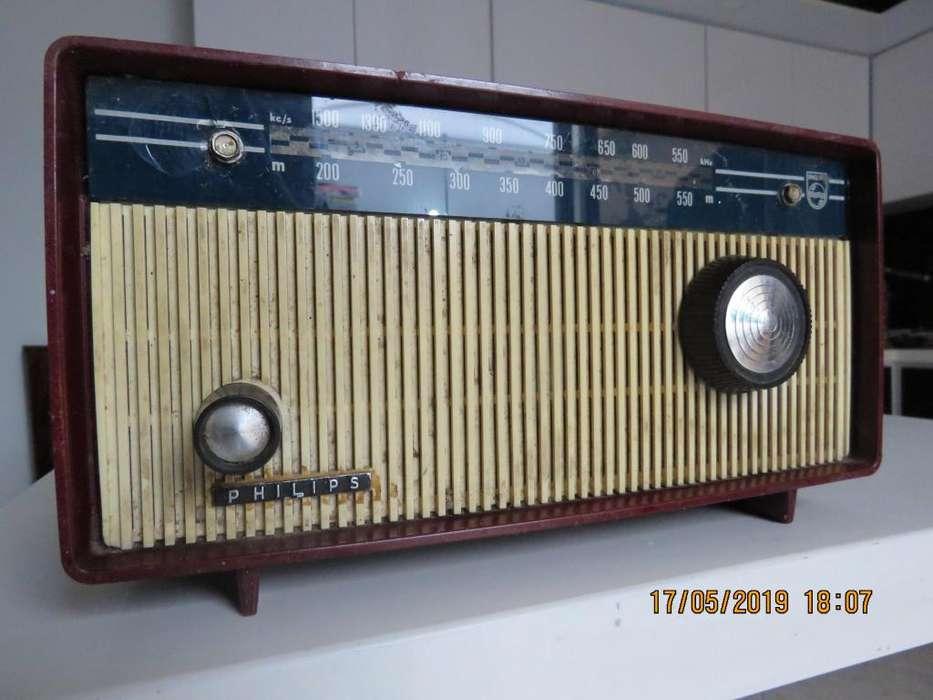 VENDO Radio Philips antiguo (decorativo)