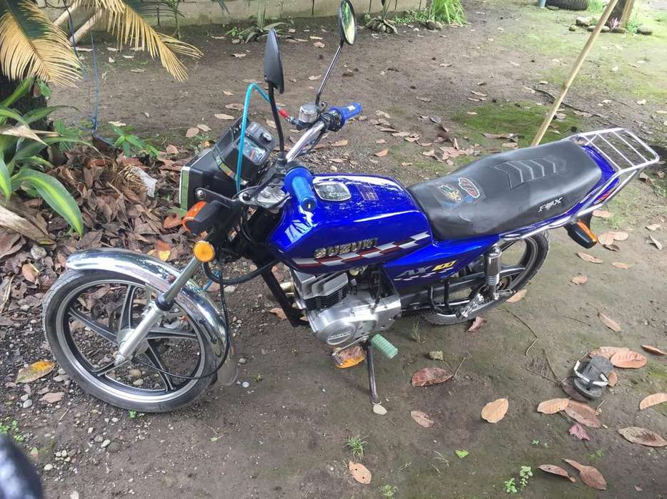 Vendo Moto Suzuki Año 2008