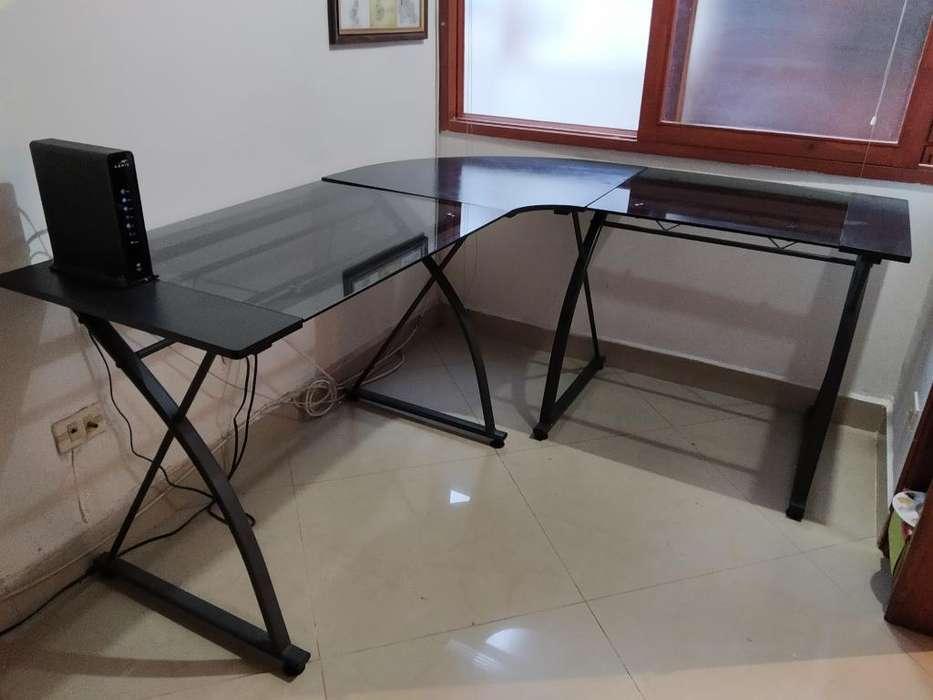<strong>escritorio</strong> en L Vidrio