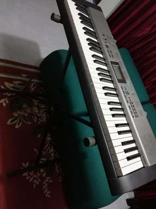 Teclado (piano) Electrónico CASIO CTK-1300ES (TECLA ANCHA)