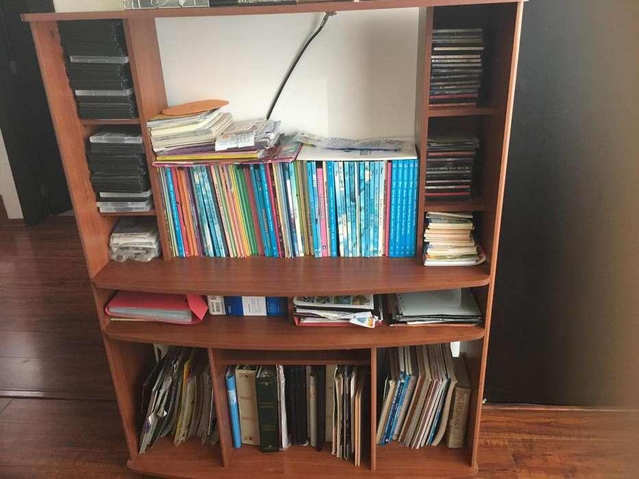 mueble usado para libros