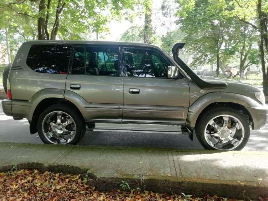 Toyota Prado 2003 - 220000 km
