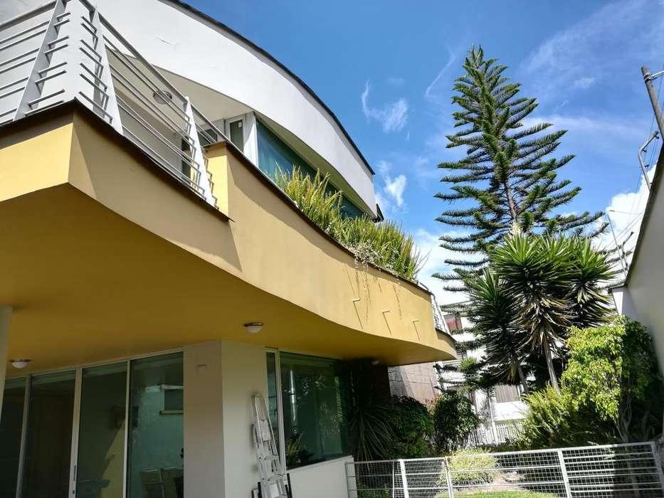 Casa en Venta 500 m² Urbanización El Condado