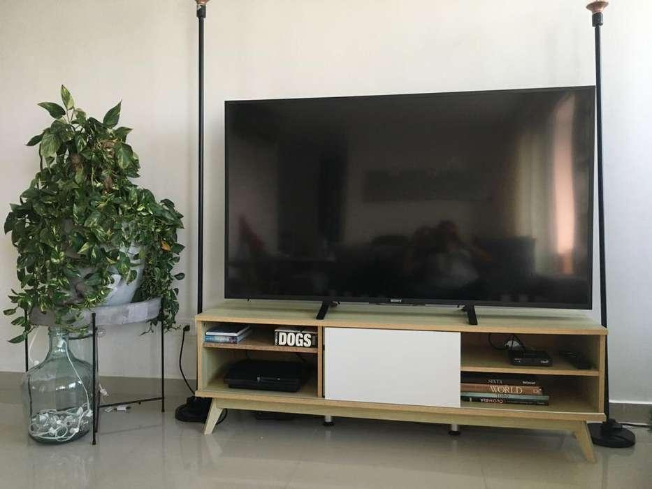 Mueble De Entretenimiento Marca Tugó, Para Tv De Hasta 60