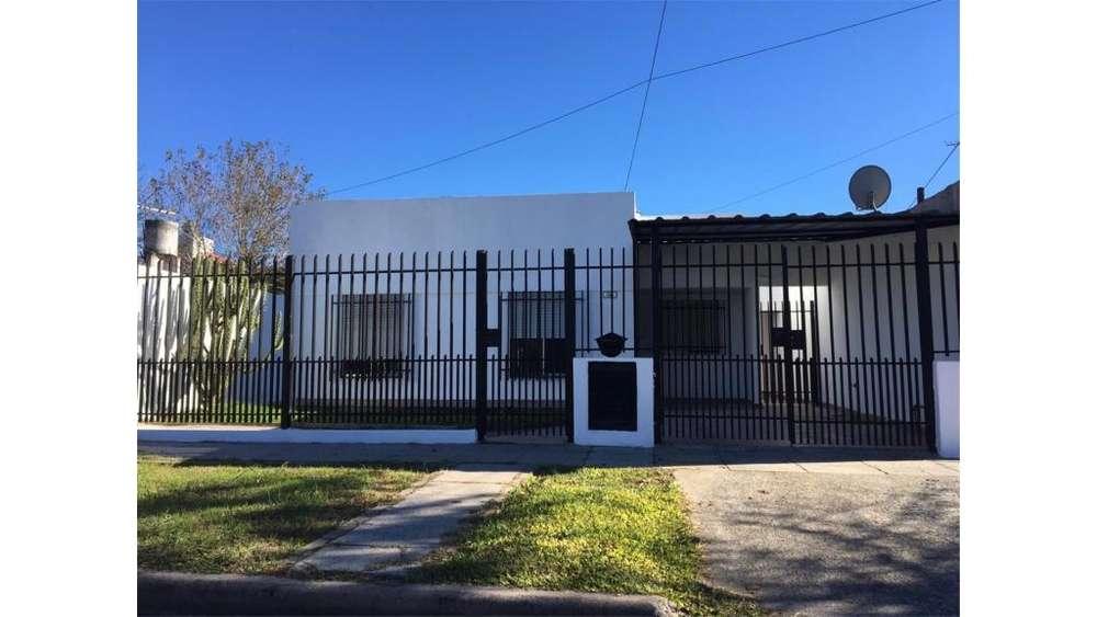 Jujuy 1100 - UD 89.000 - Casa en Venta