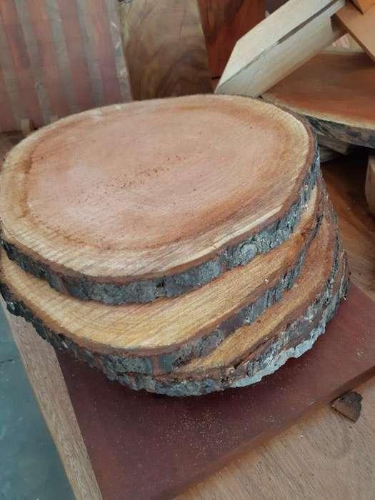 Hermosas rodajas de madera, todo tipo de uso, decoraciones, eventos.