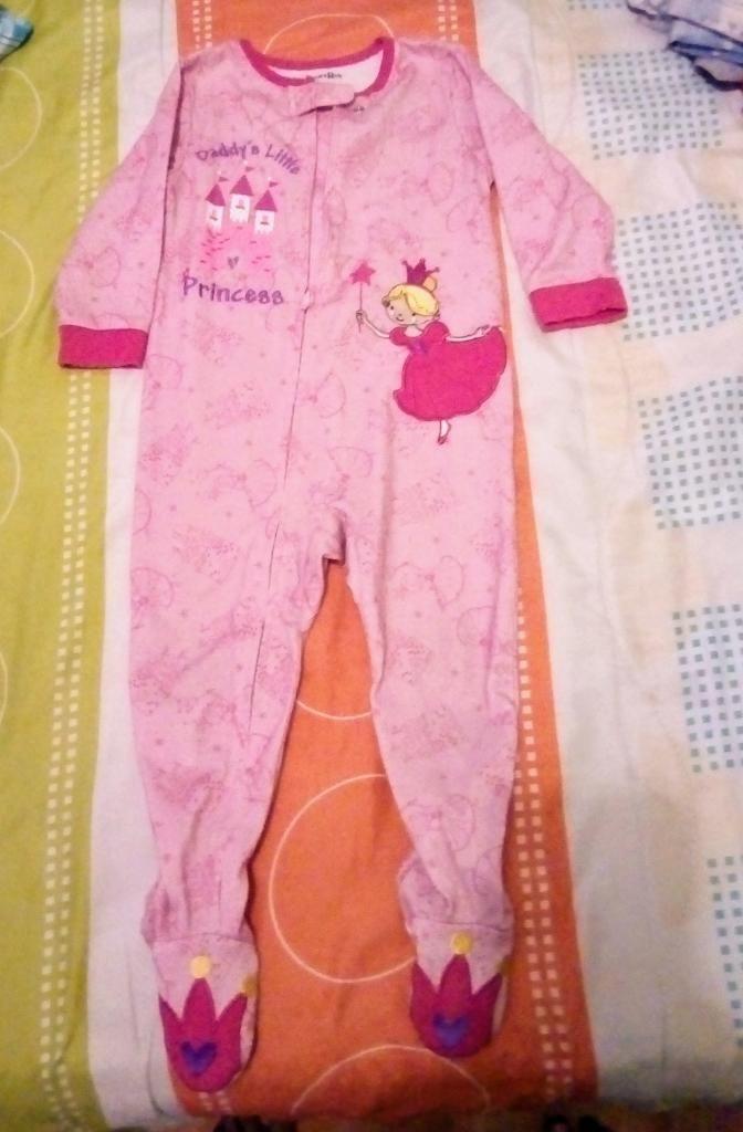 70528f224 Pijamas Talla 18 Meses - Bogotá