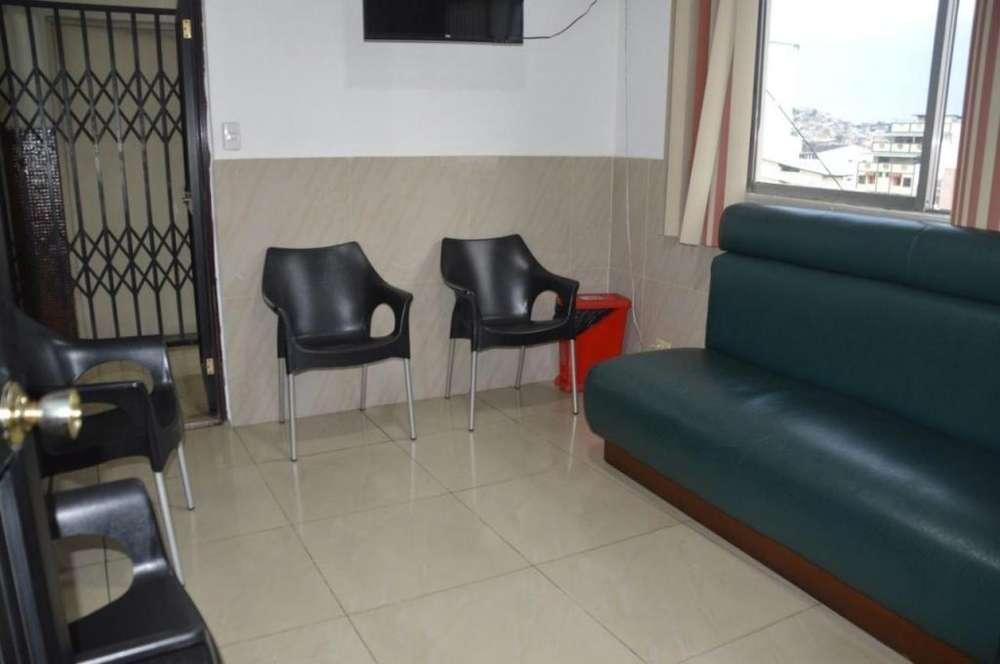 Consultorio de Venta en Luis Urdaneta y García Moreno, Centro de Guayaquil
