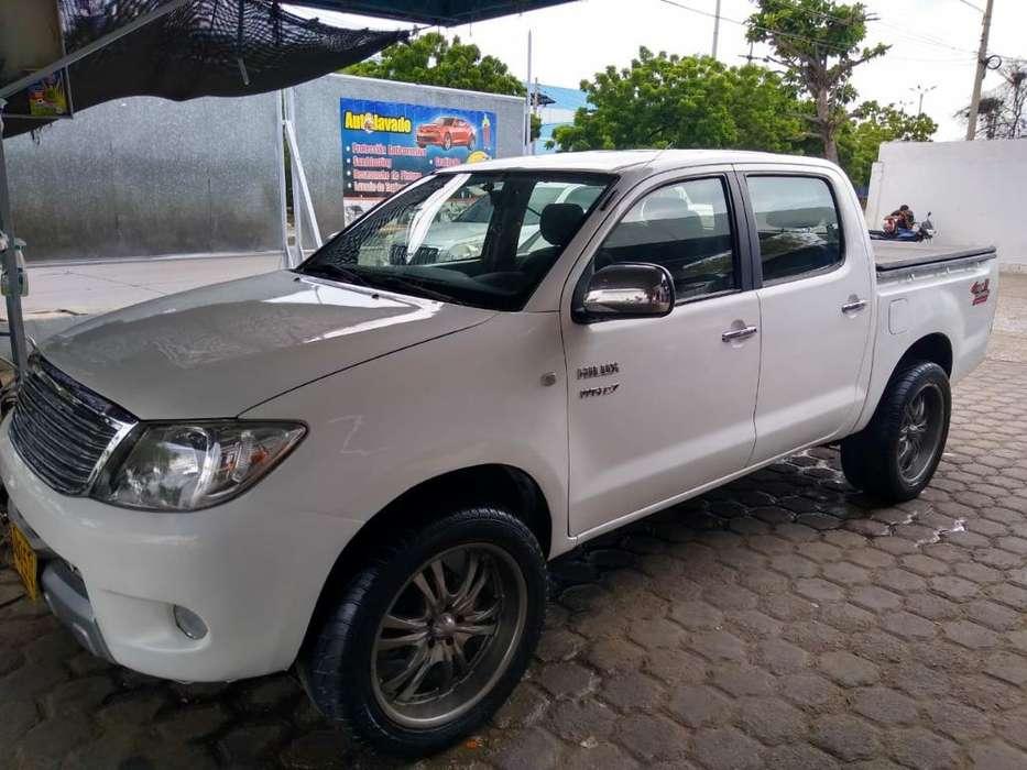 Toyota Hilux 2007 - 210 km