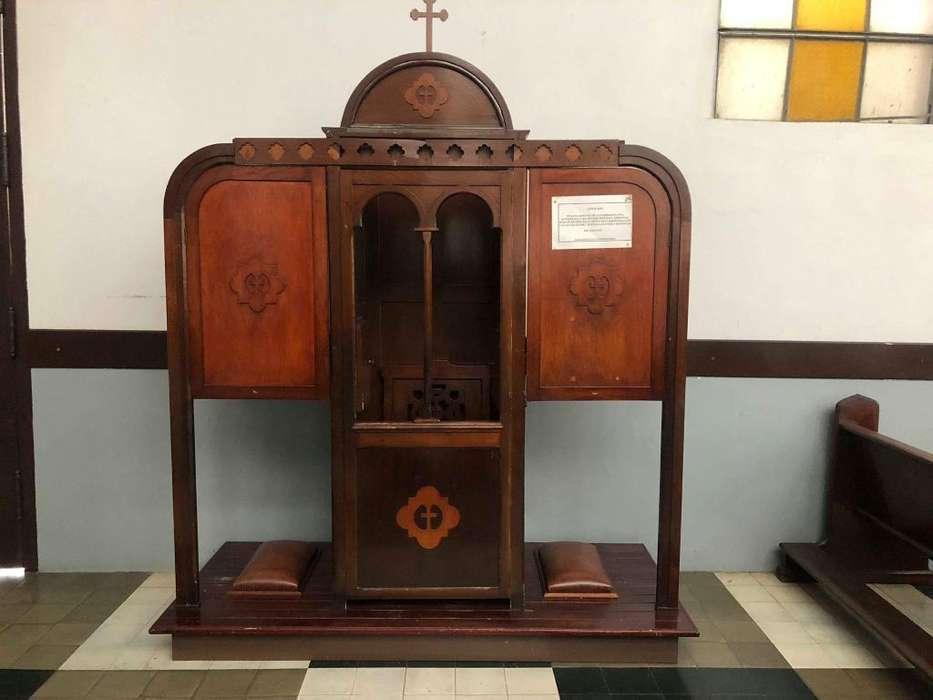 Confesionario Siglo Pasado: Mueble Religioso, Madera Cedro