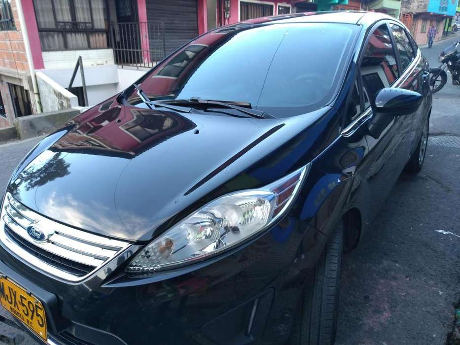Ford Fiesta  2012 - 61640 km
