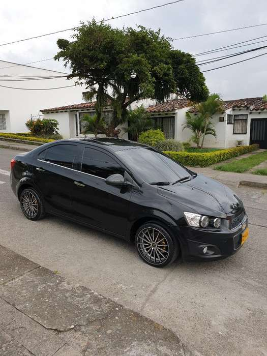 Chevrolet Sonic 2014 - 32000 km