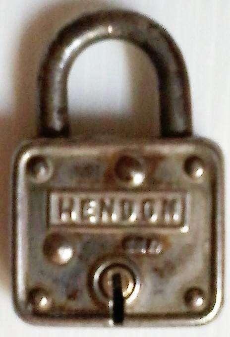 Antiguo candado Hendon Junior
