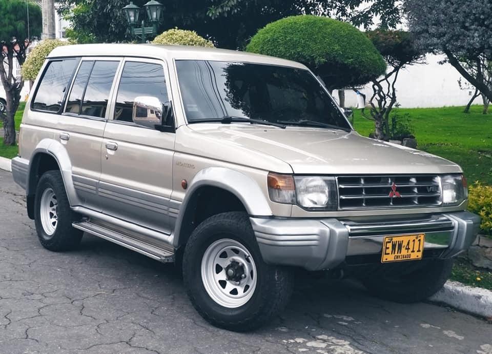 Mitsubishi Montero Wagon