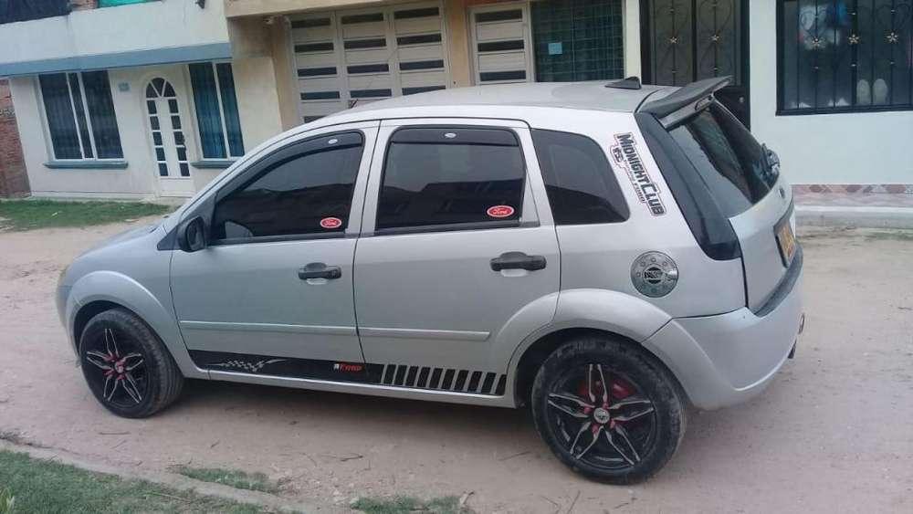 Ford Fiesta  2005 - 200000 km