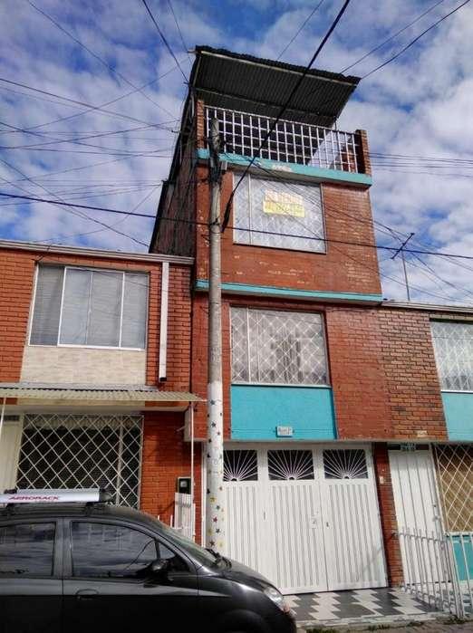 Casa de 4 pisos, San Mateo, Soacha