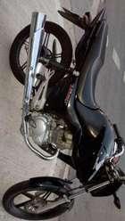 Honda New Titan Unico Dueño