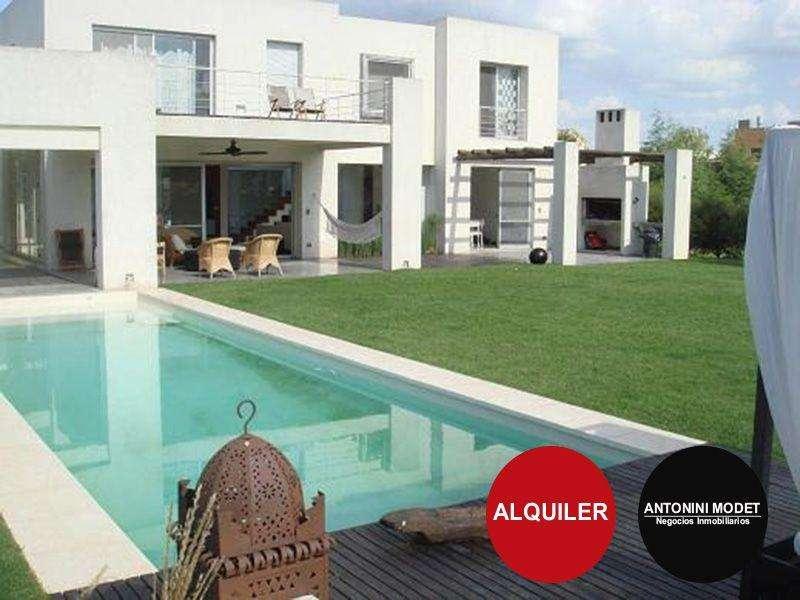 Casa en Alquiler en St. matthews village , Pilar 55000