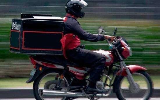 Domicilio con moto y mensajero de publicidad PaP- Belacázar