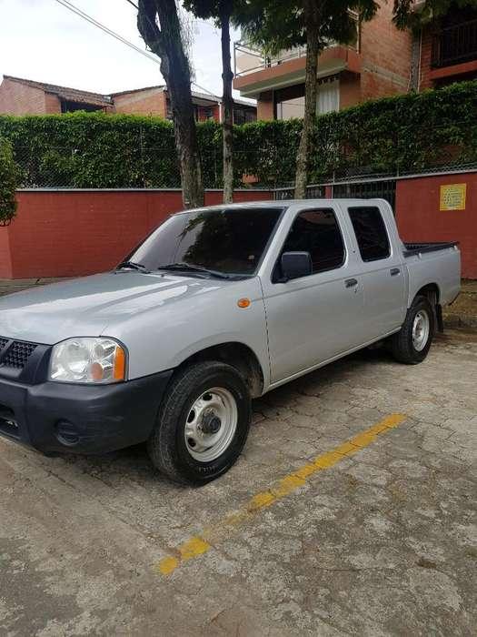 Nissan Frontier 2012 - 130000 km