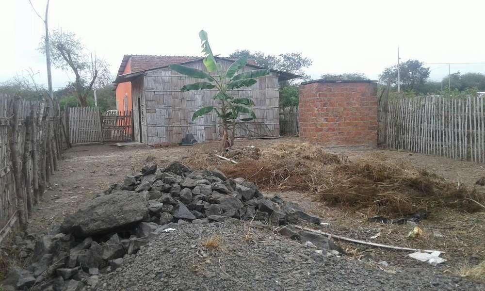 Se Vende Un Terreno con Una Casa