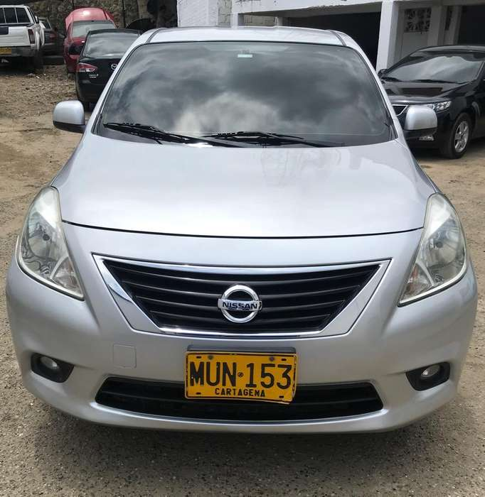 Nissan Versa 2013 - 97000 km