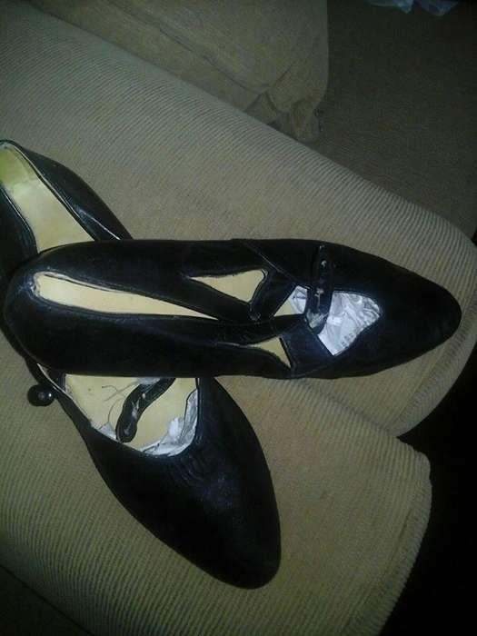 Zapato de danza española Impecable