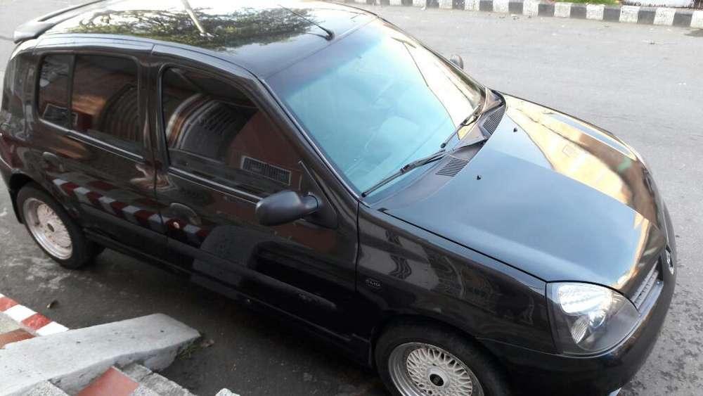 Renault Clio  2013 - 95000 km