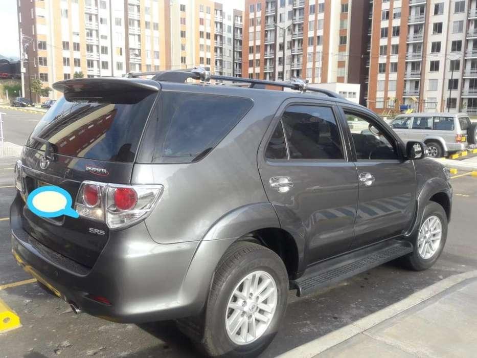 Toyota Fortuner 2012 - 49600 km