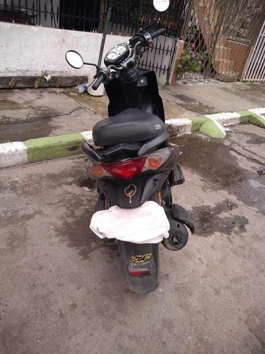 Vendo Moto Kimco Agility 125 Buen Estado
