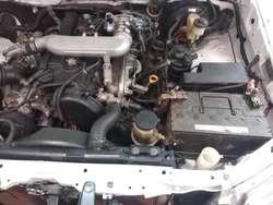 Vendo Camioneta TOYOTA HILUX Doble Cabina Diesel 4X4