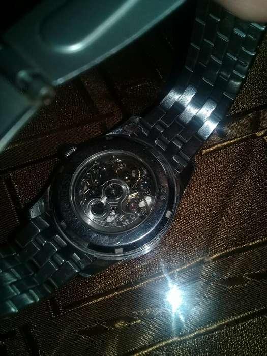 Vendo Reloj Marca Milano Es Automatico