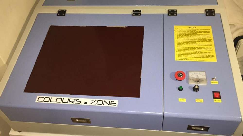 Mini laser 40 cm x 40 cm area corte