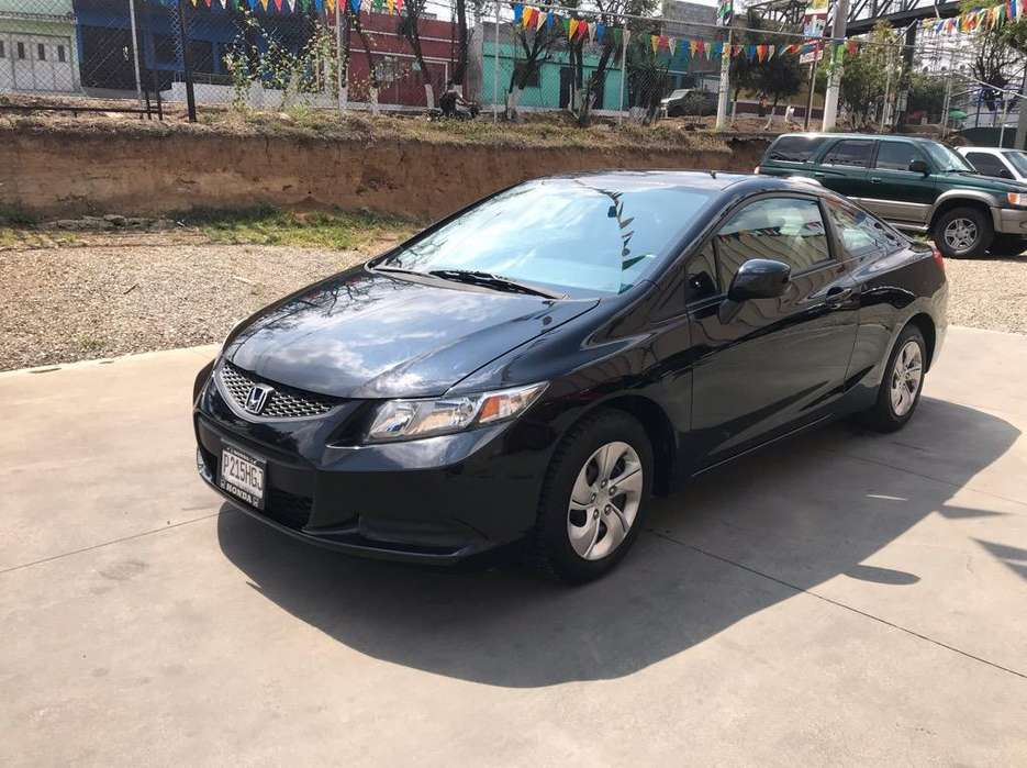Honda Civic 2013 - 32000 km