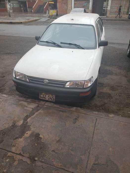 Toyota Corolla 1999 - 1000 km