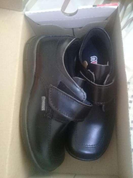 Zapatos de Niño Nuevos