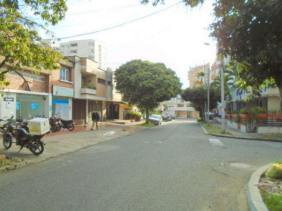 Arriendo casa - Local en Cabecera