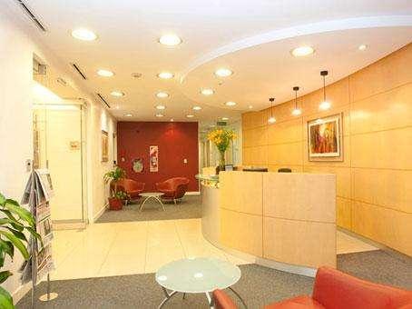 Ven a nuestra área de Business Lounge en Buenos Aires Laminar Catalinas y empieza a trabajar