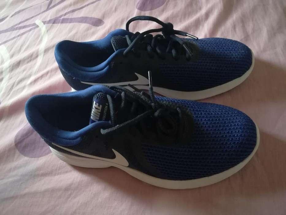 Se Vende Zapatos Nike Nuevos Talla 42
