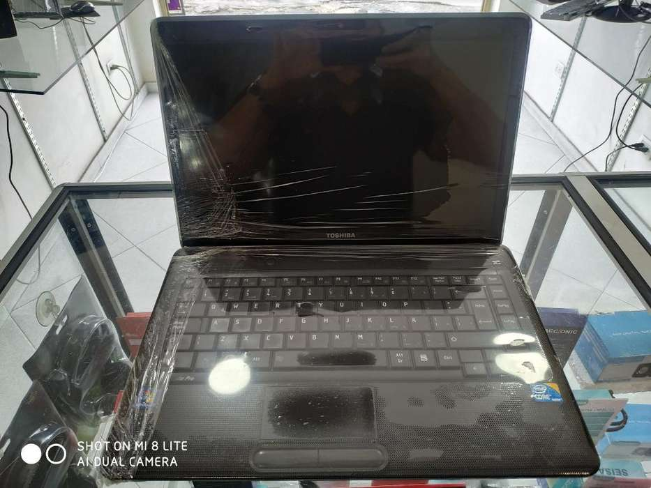 Toshiba Satellite Core I3, Buen Estado.
