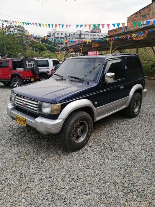 Mitsubishi Montero 1999 - 236000 km