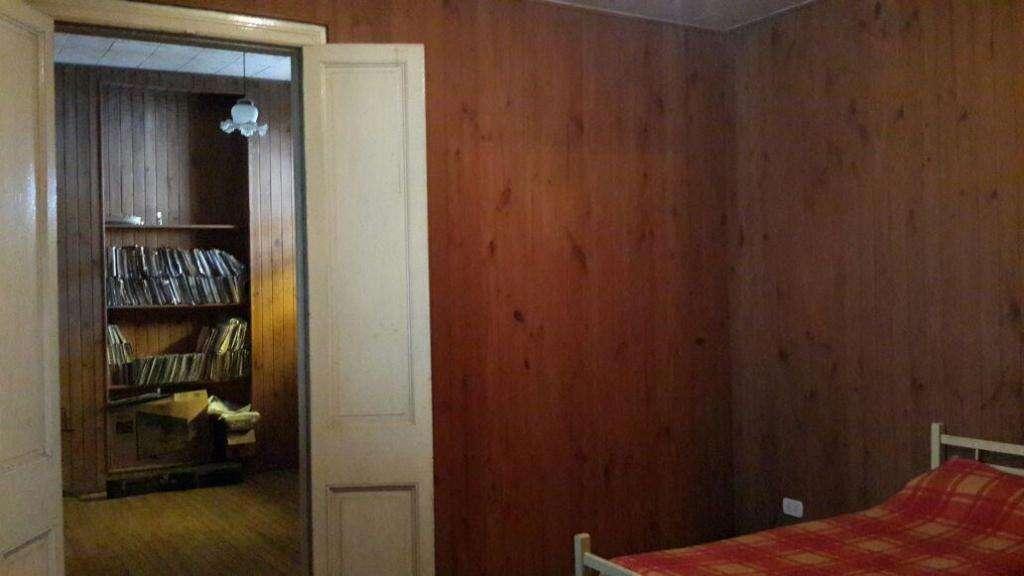 Casa de 3 dormitorios , 2 baños , muy buen estado , zona sur ambientes muy amplios