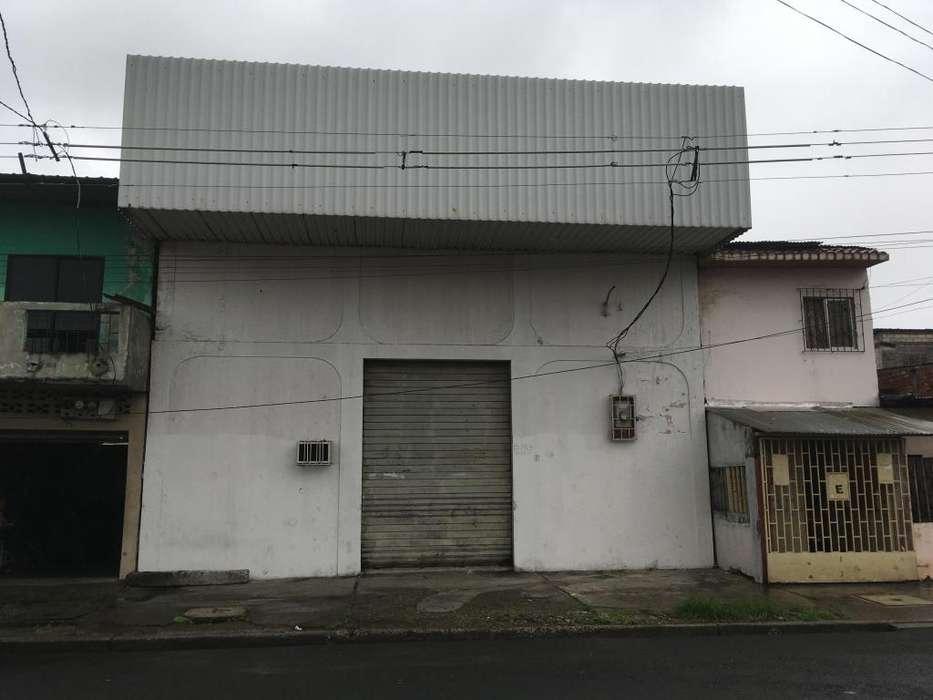 Venta Galpon/Uso comercial/ cerca avenida portete